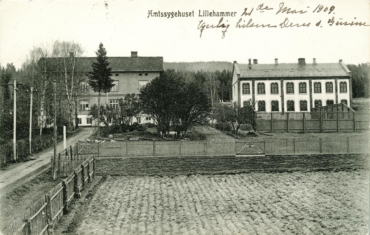 Repro: Amtsykehuset i Lillehammer, postkort, fram og bakside.
