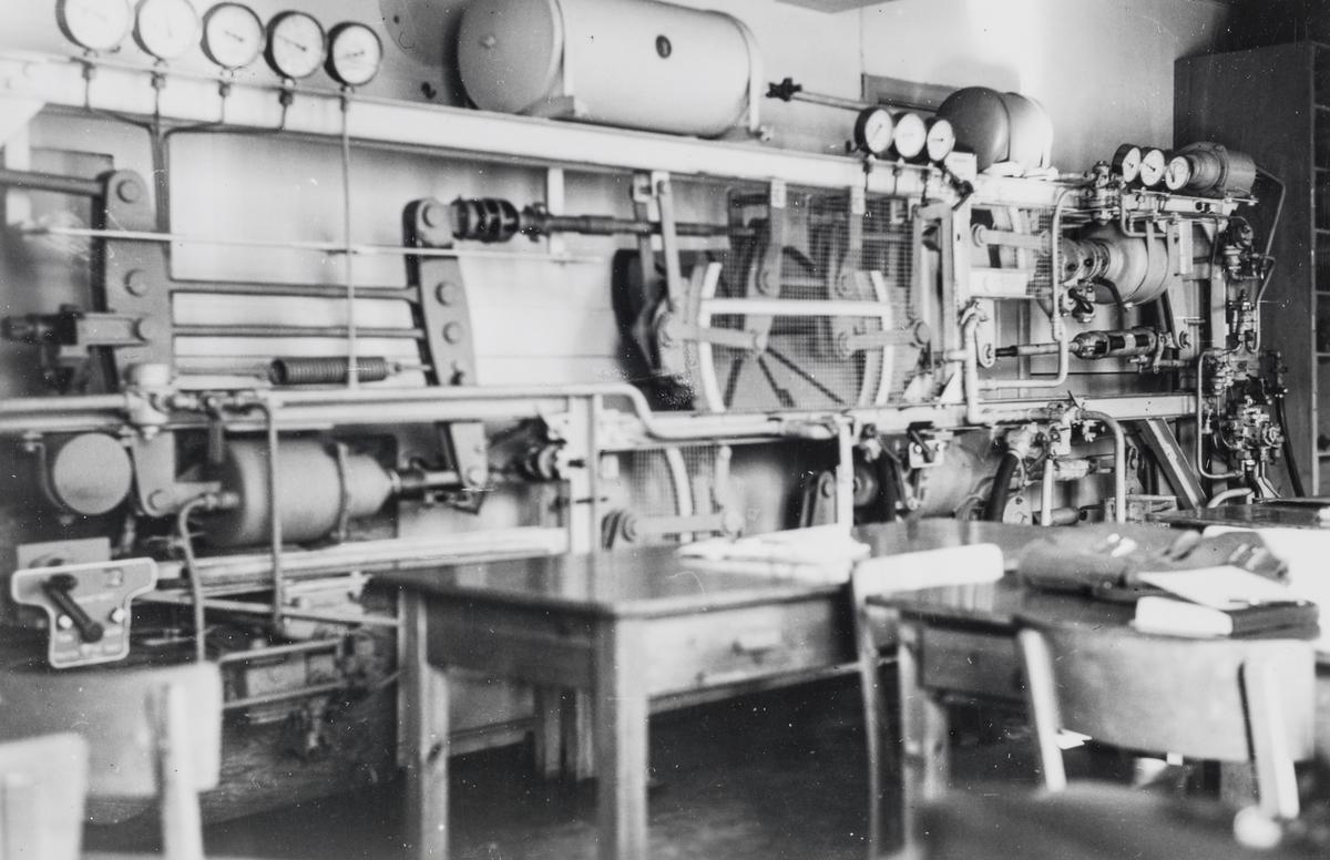 Instruksjonsrigg for trykkluftbremser på NSBs verksted på Marienborg, Trondheim.