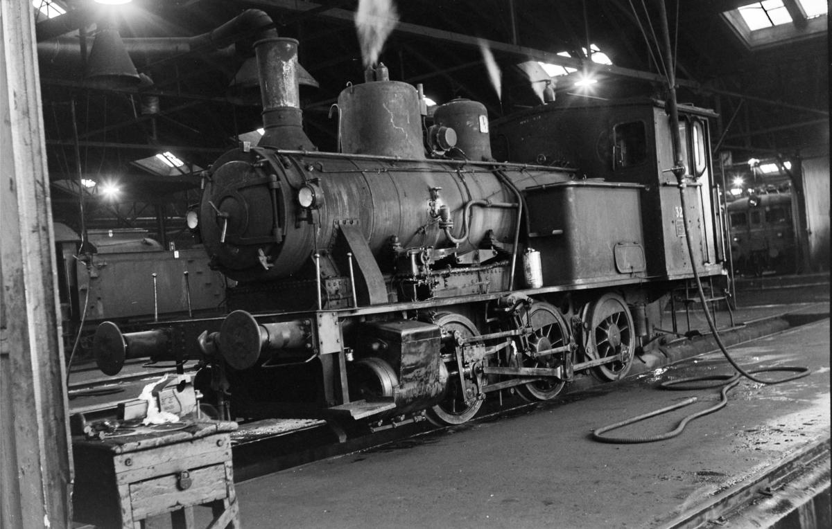 Damplokomotiv type 25a nr. 327 i Gamlestallen i Lodalen i Oslo.