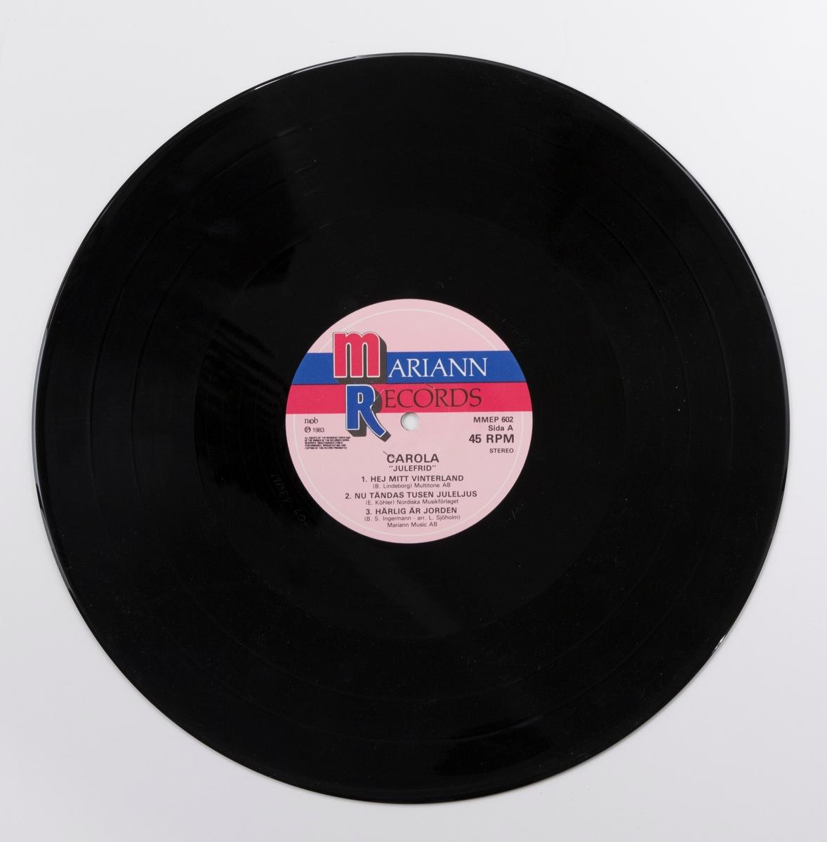 Maxi-EP med sex julsånger (format som LP, men färre låtar, spelas 45 varv), av svart vinyl med rosa pappersetikett. Skivan ligger i skivpåse av papper, och i omslag av papper. Omslaget har en färgbild av artisten i profil med ett vinterlandskap i fonden. Inne i omslaget finns en affisch med samma bild av artisten som på omslaget.  Innehåll Sida A: 1. Hej mitt vinterland 2. Nu tändas tusen juleljus 3. Härlig är jorden  Sida 2: 1. Bjällerklang 2. Stilla natt 3. O helga natt  JM 34182:1, Skiva JM 34182:2, Omslag JM 34182:3, Skivpåse JM 34182:4, Affisch