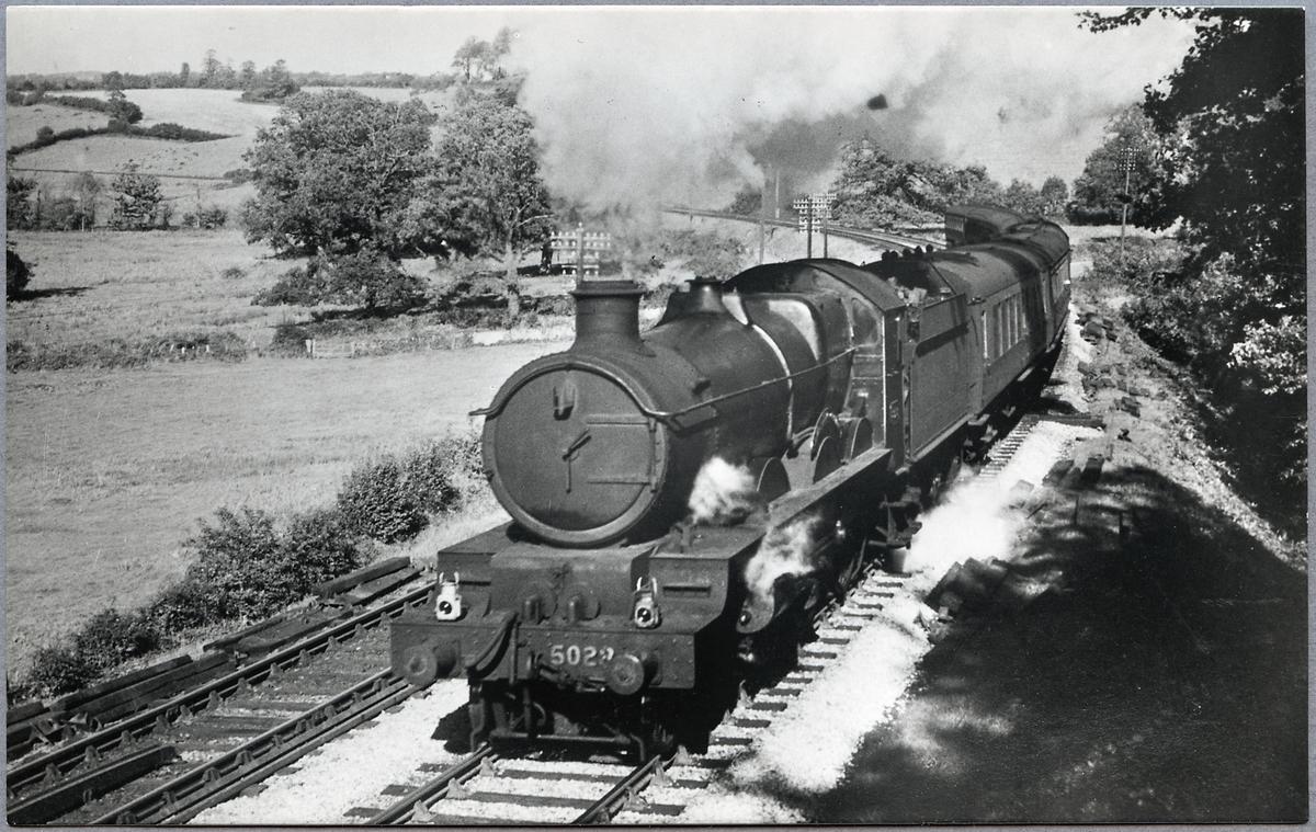 """Great Western Railway, G.W.R. lok 5028 """"Llantilio Castle""""."""