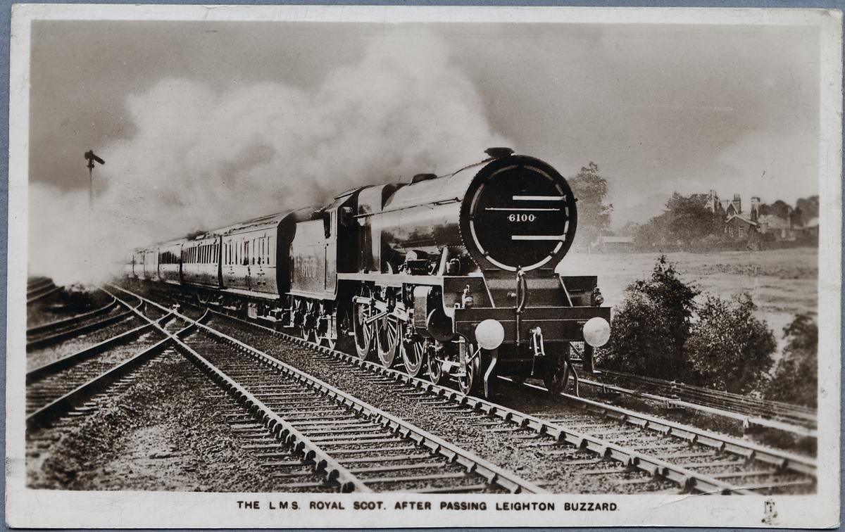 "Passagerartåg. London Midland Scottish Railway, L.M.S. SCOT 6100 ""Royal Scot""."