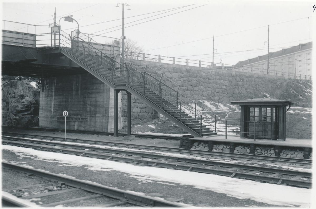 Trappförbindelse mellan Stockholms södra personplattform och Rosenlundsgatuviadukt.