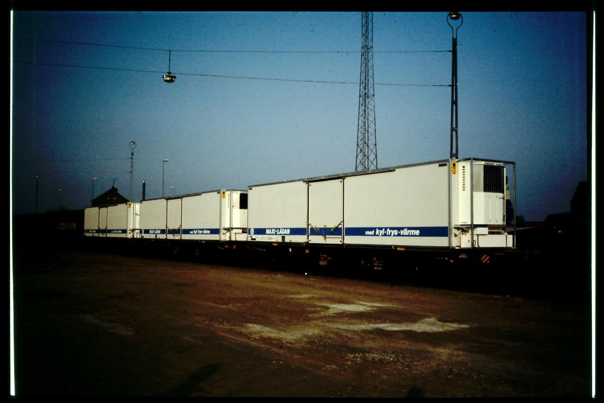 Maxi container.