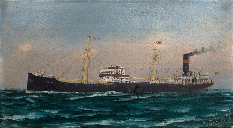 Skipsportrett av DS SYGNA under fart i åpen sjø. Med det amerikanske flagg i fortoppen og norsk flagg i akter.