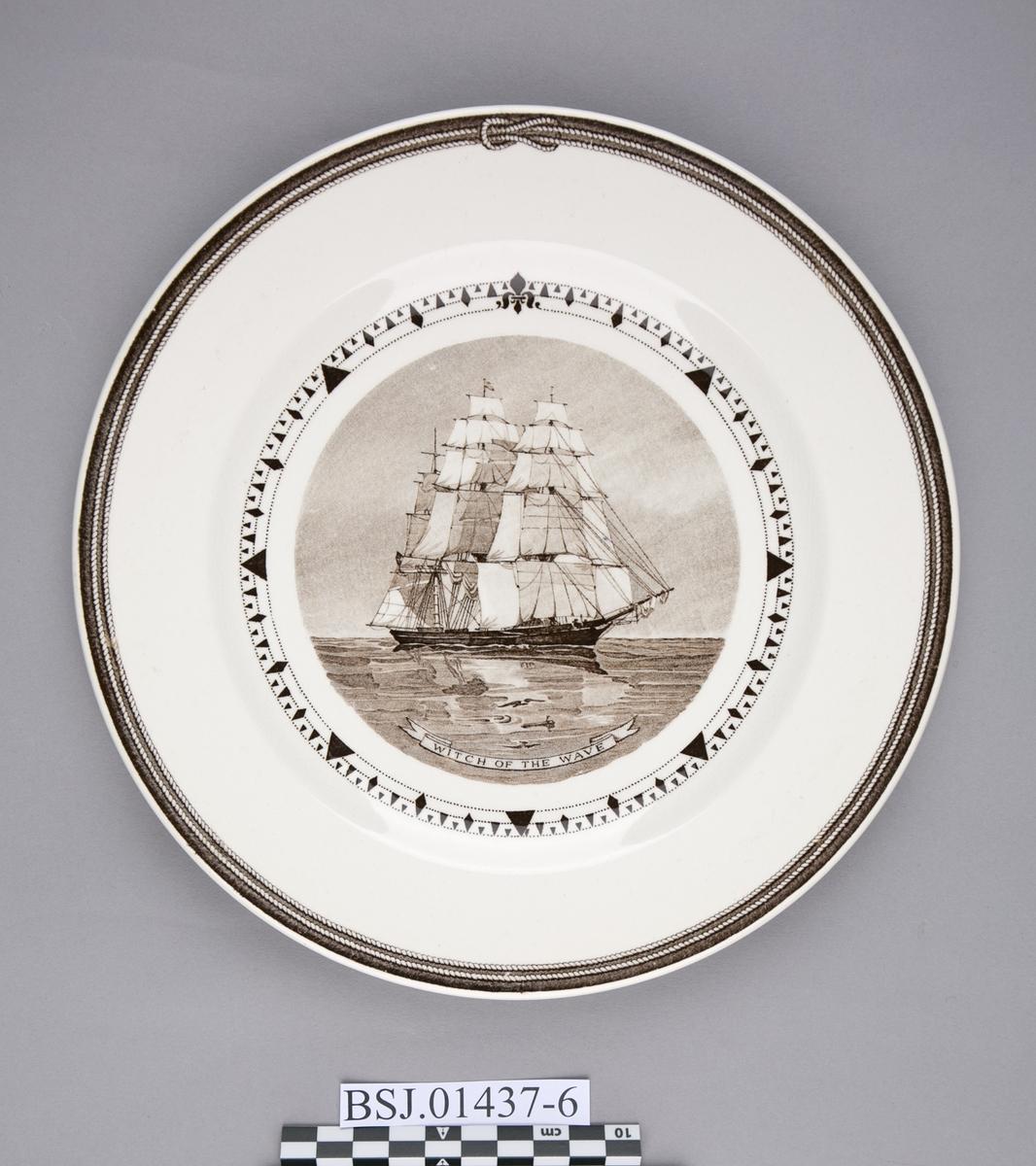 Tallerken med motiv av WITCH OF THE WAVE, amerikansk klipper skip