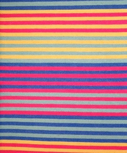 Randigt vävprov, möbeltygsprov, i skarpa nyanser av rosa, gul, blågrön (turkos) och blå. Ett kraftigt möbeltyg vävt i korskypert med inslagseffekt på rätsidan. Varpen är av tunt blekt tvåtrådigt bomullsgarn. Inslaget är entrådigt ullgarn. Ränderna är centimeterbeda och grupperade i bårder med följande kombinationer:, turkos/gul, gul/rosa, blå/turkos,  rosa/turkos, rosa/blå och så börjar det om en gång till. Det är sju ränder i varje bård.  Vävprovet med modellnamn Radar är formgivet av Ann-Mari Nilsson och tillverkat av Länshemslöjden Skaraborg. Vävbeskrivningen har varit publicerad i Tidskriften Hemslöjden nr 4 1987. Se även inv.nr. 0125-0129,0131 Vävprov och Möbelklädsel i olika färgställningar och material.