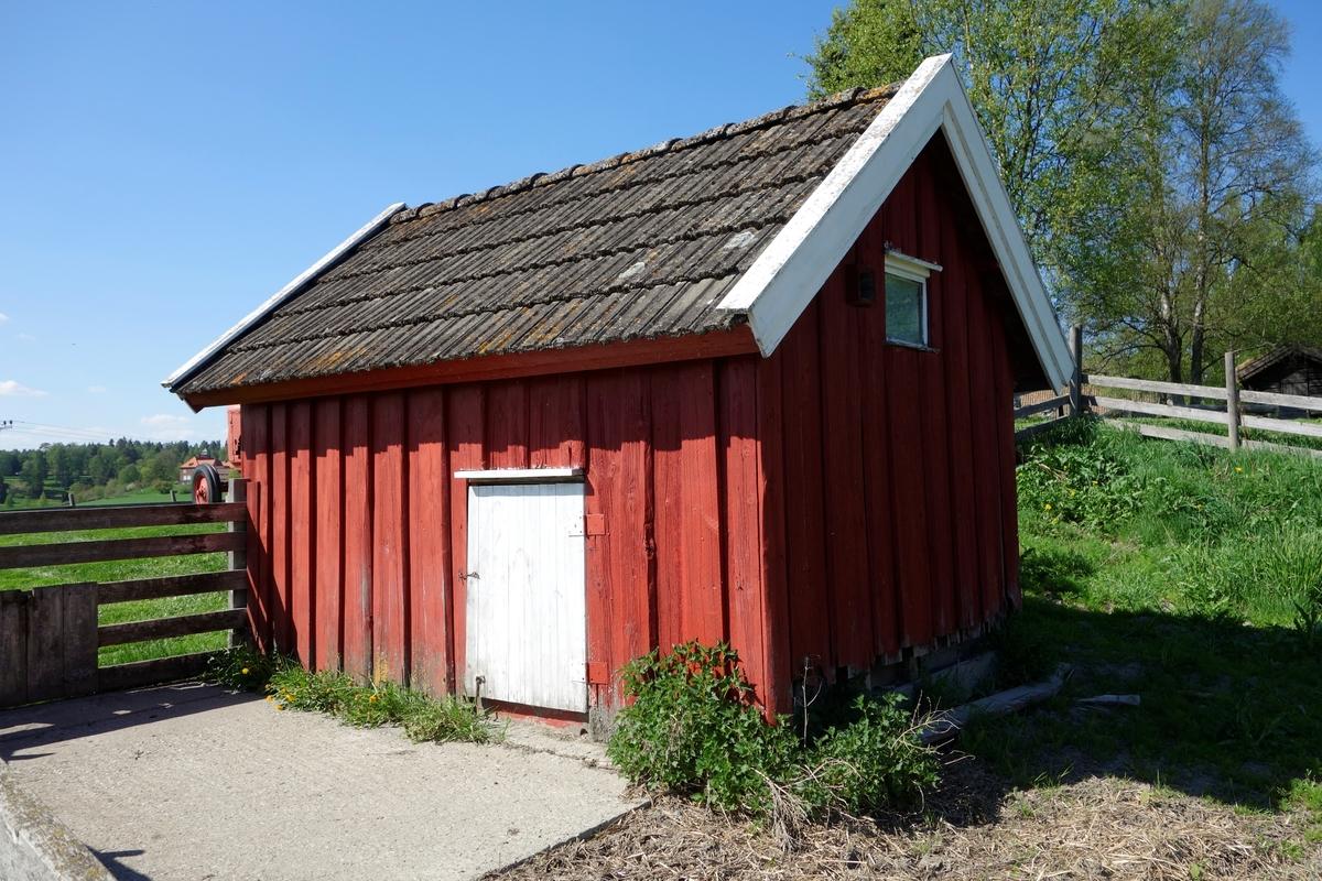 Grisehus på Midtstad i Nes, fra ca. 1930. Flyttet i 1996.