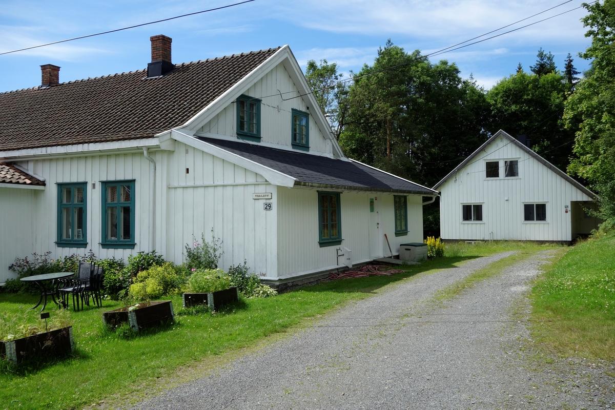 Bolighus Skårer gård, påbygd. Eldste del fra ca. 1775