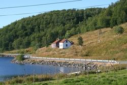 Skogsfjordvatn, Karlsøy