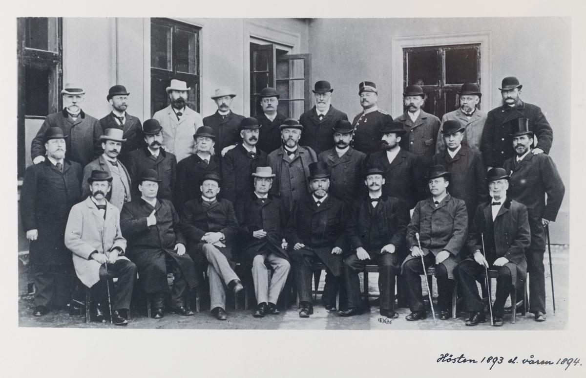 karrolinska läroverkets lärarkår hösten 1893 eller våren 1894.
