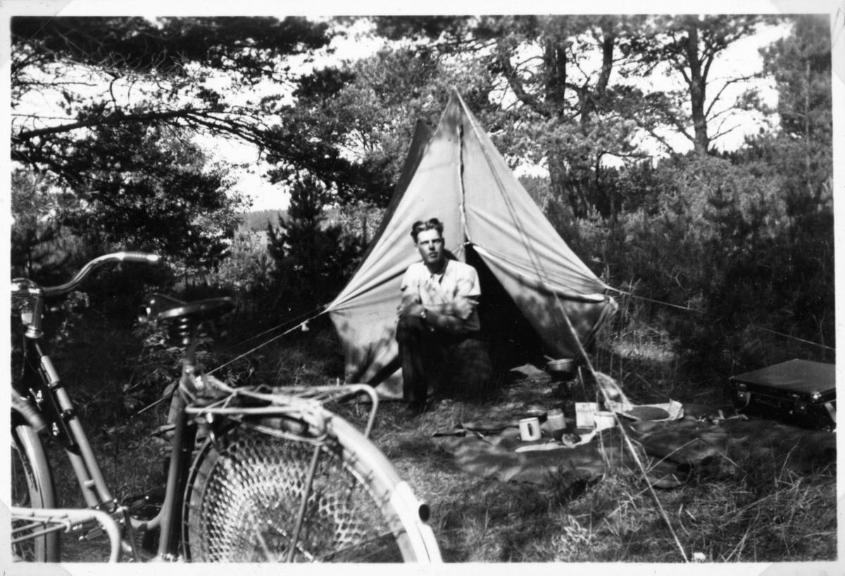 """Vänern runt på cykel. """"Lägerplats vid Lidköping"""". Oskar"""