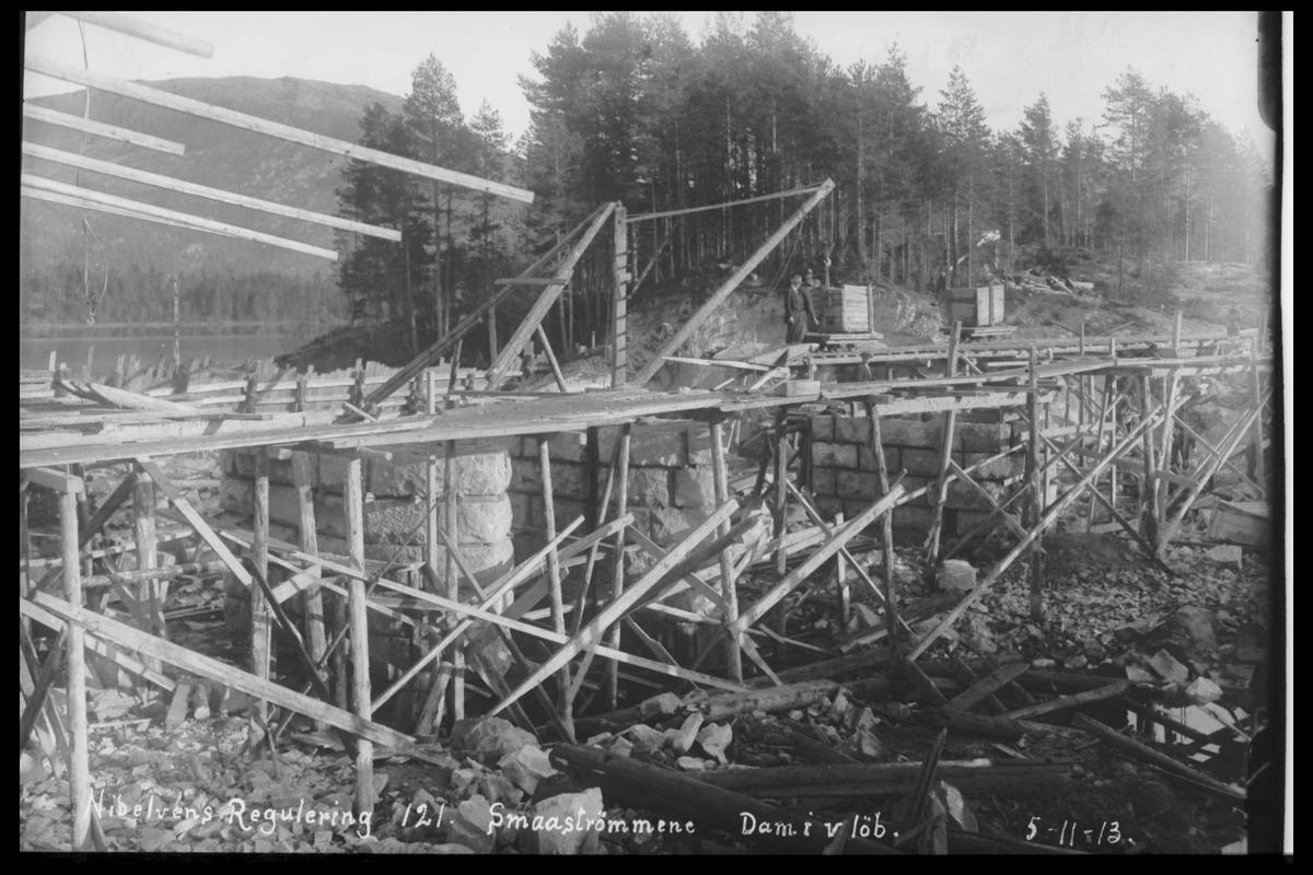 Arendal Fossekompani i begynnelsen av 1900-tallet CD merket 0474, Bilde: 32 Sted: Småstraumene Beskrivelse: Damanlegg