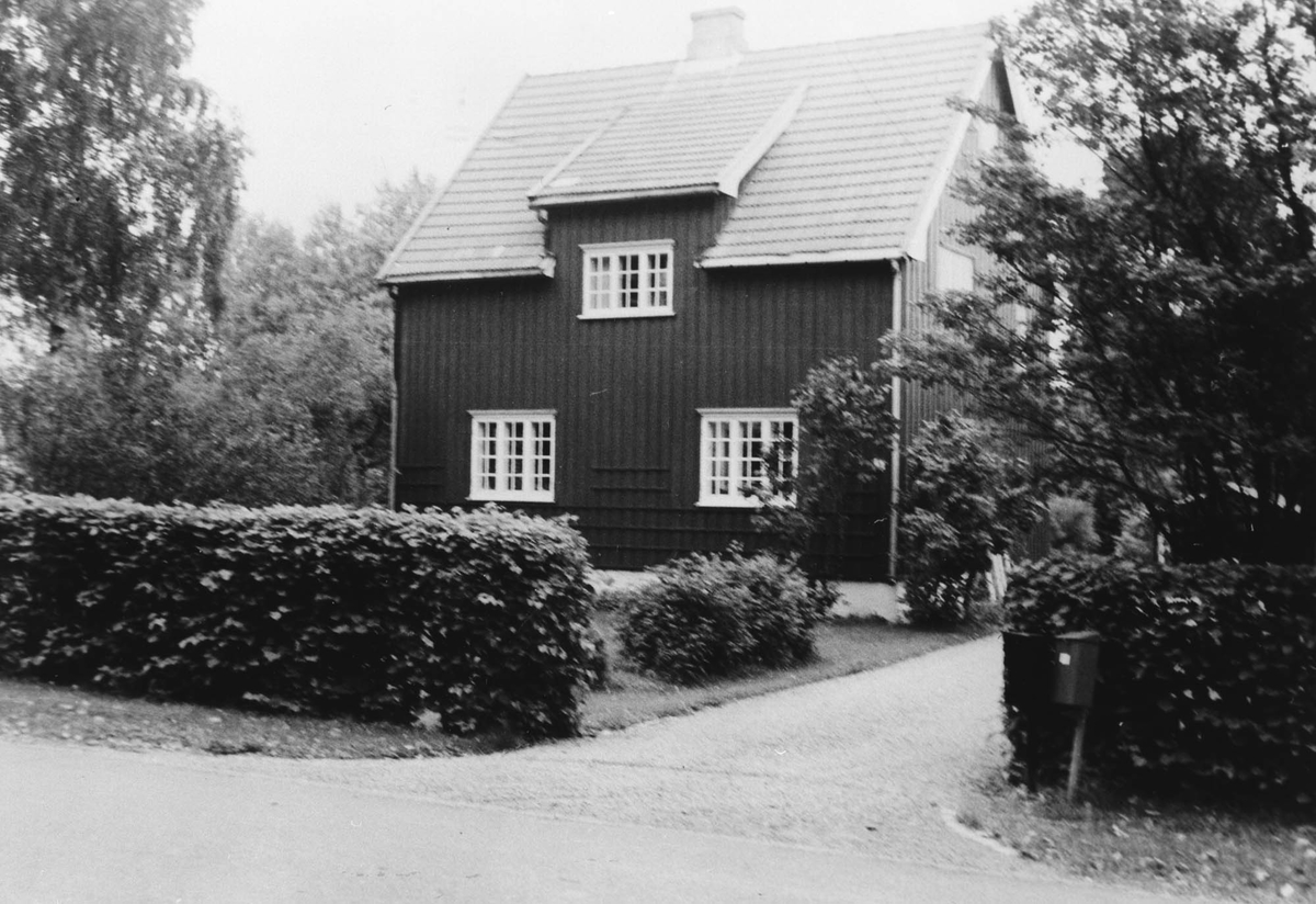 """""""Veslestua"""" bygget av Anders Skutend i ca. 1920."""