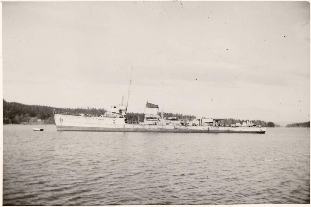 """Motiv: Sleipner klasse jager """"Gyller"""".Som ex-tysk Torpedofangboot Løwe, før ombygging til fregatt."""
