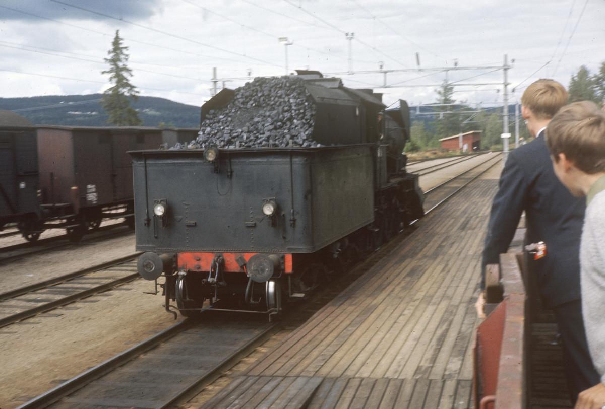 Damplok type 30b nr. 347 på Reinsvoll stasjon i forbindelse med A/L Hølandsbanens veterantog til Skreia.