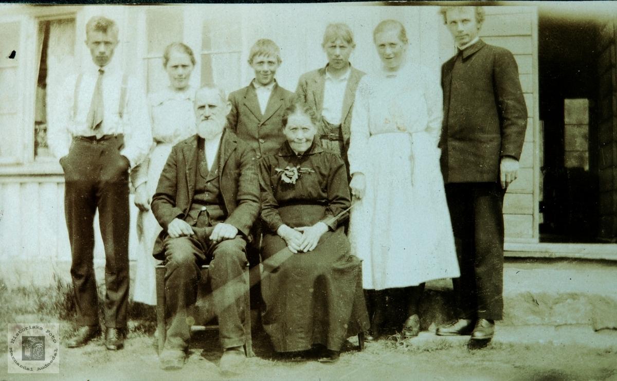 Familiebilde fra Monen, Ågedalstrand i Bjelland senere Audnedal.