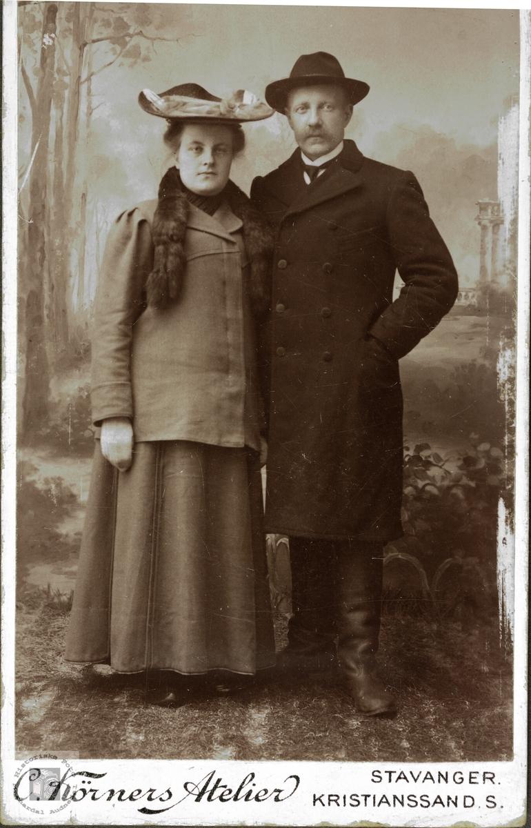 Staselig par fra Øydna. Grindheim.