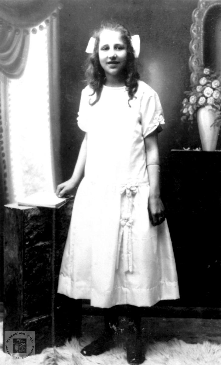 Portrett av Lilly Maudal, Øyslebø.
