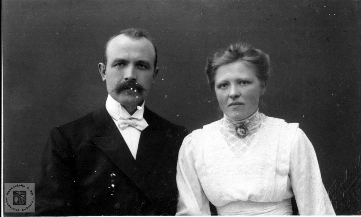 Ekteparet Aanen og Anna Haraldstad, Bjelland.