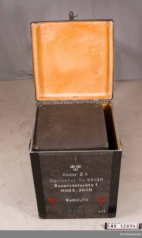 Reservdelssats 1, i låda.