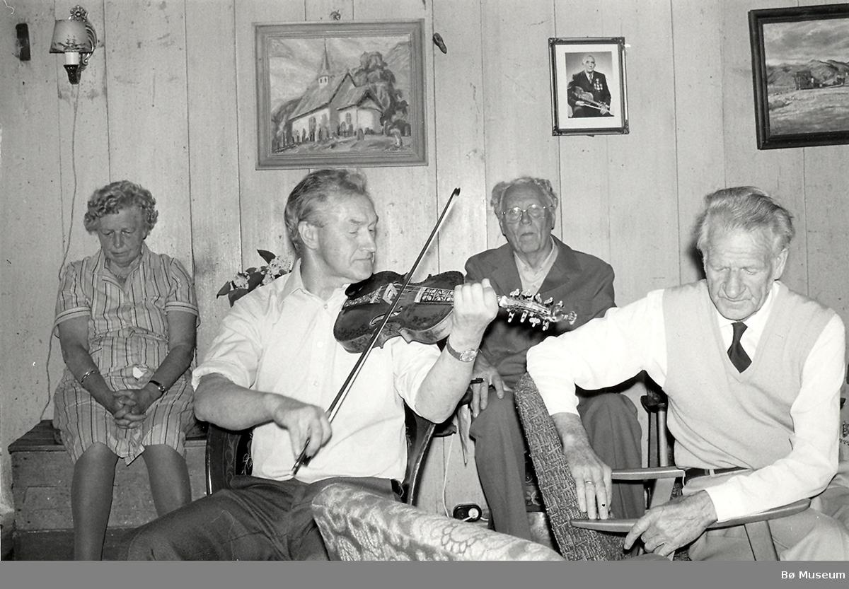 Anne Hoff, Sveinung Dalen, Lars Jysereid og Bjarne Øen.