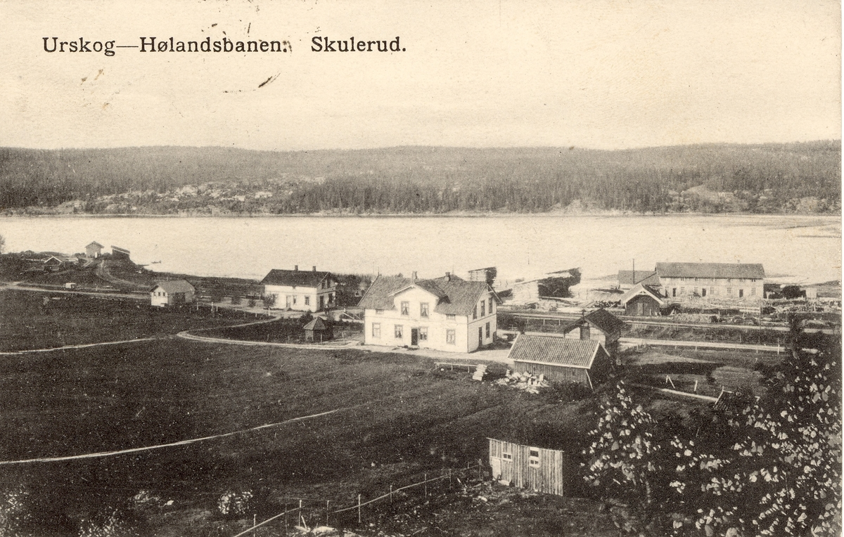 Oversikt over Skulerud stasjon. Skulerud hotell i forgrunnen.