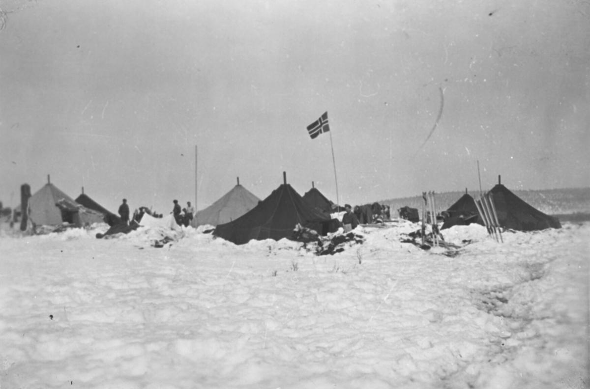 Teltleir for polititroppene i Sverige, vinteren 1944-45.