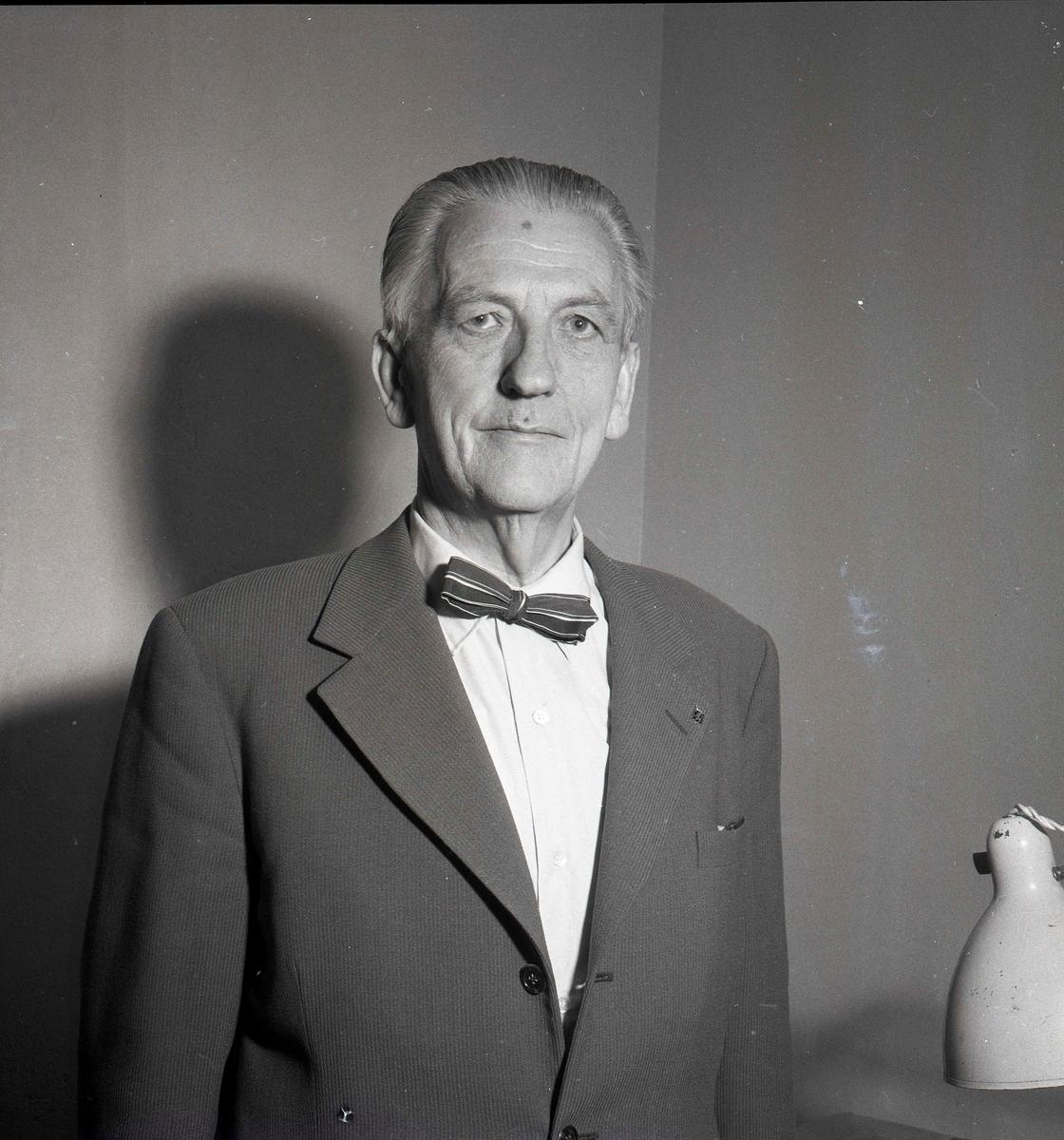 Porträtt av kyrkoherde D.A.G. Brundin, juli 1958.