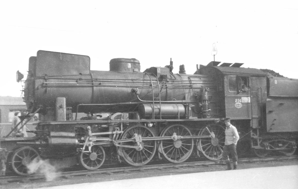 Damplokomotiv type 30a 256.