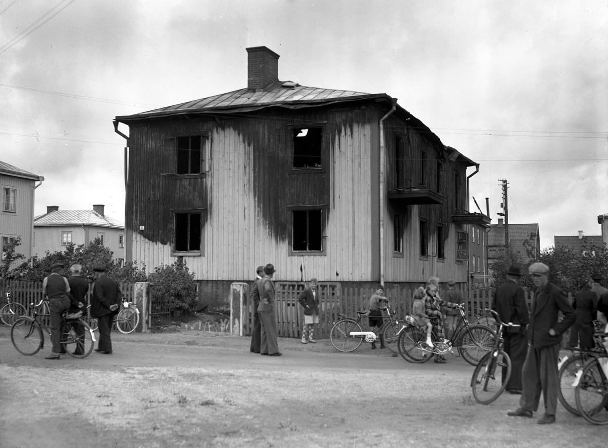 I en brand i fastigheten Norra Ljungbygatan 16 den 10 augusti 1939 omkommer familjen Karl Fredrik Johansson med maka och 3 barn.