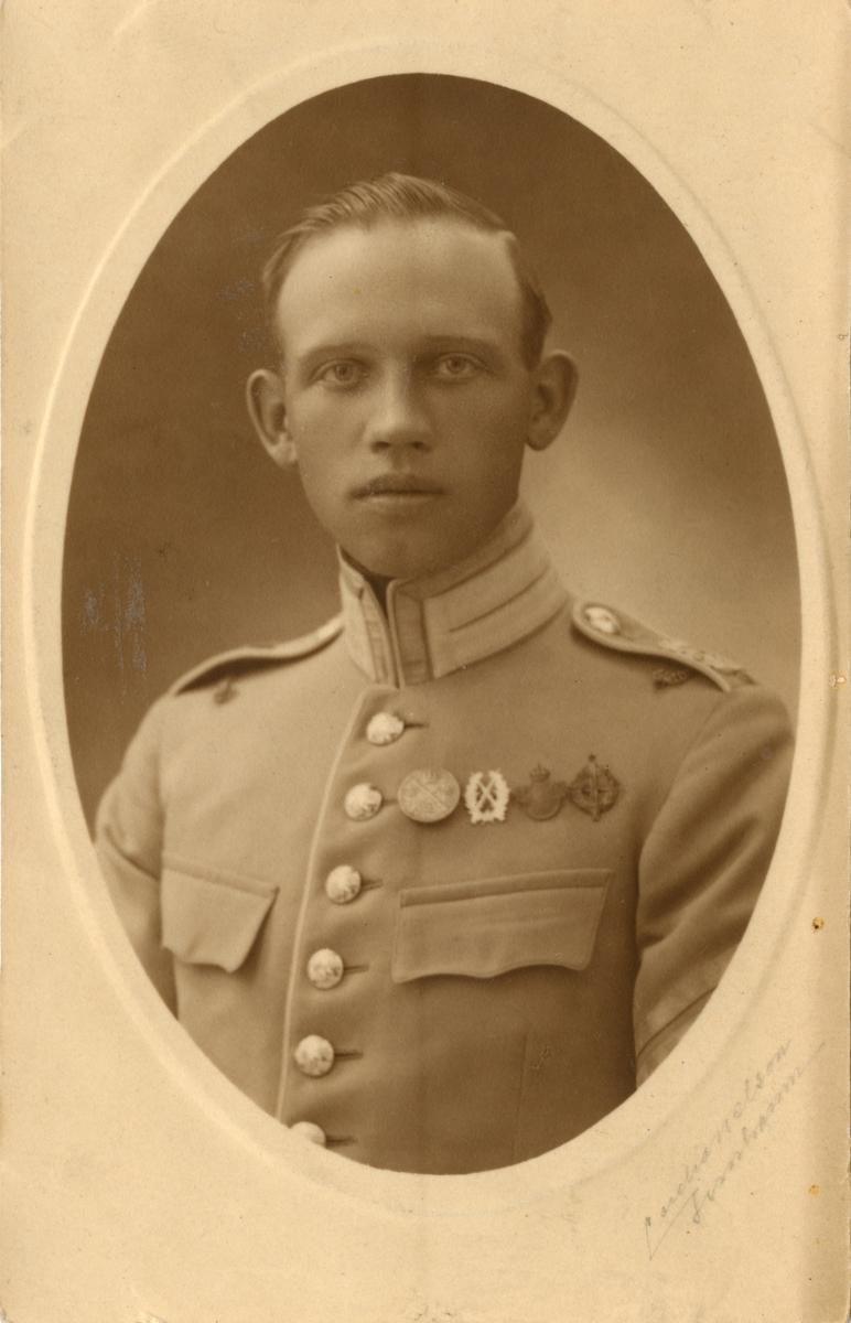 Porträtt av okänd soldat från Livgardet till häst K 1.