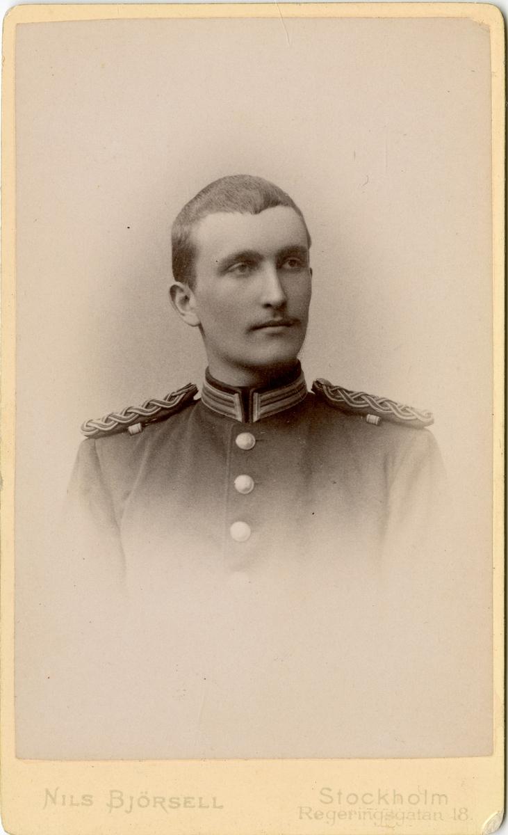 Porträtt av Axel Magnus Adlercreutz, officer vid Västmanlands regemente I 18. Se även bild AMA.0006790.