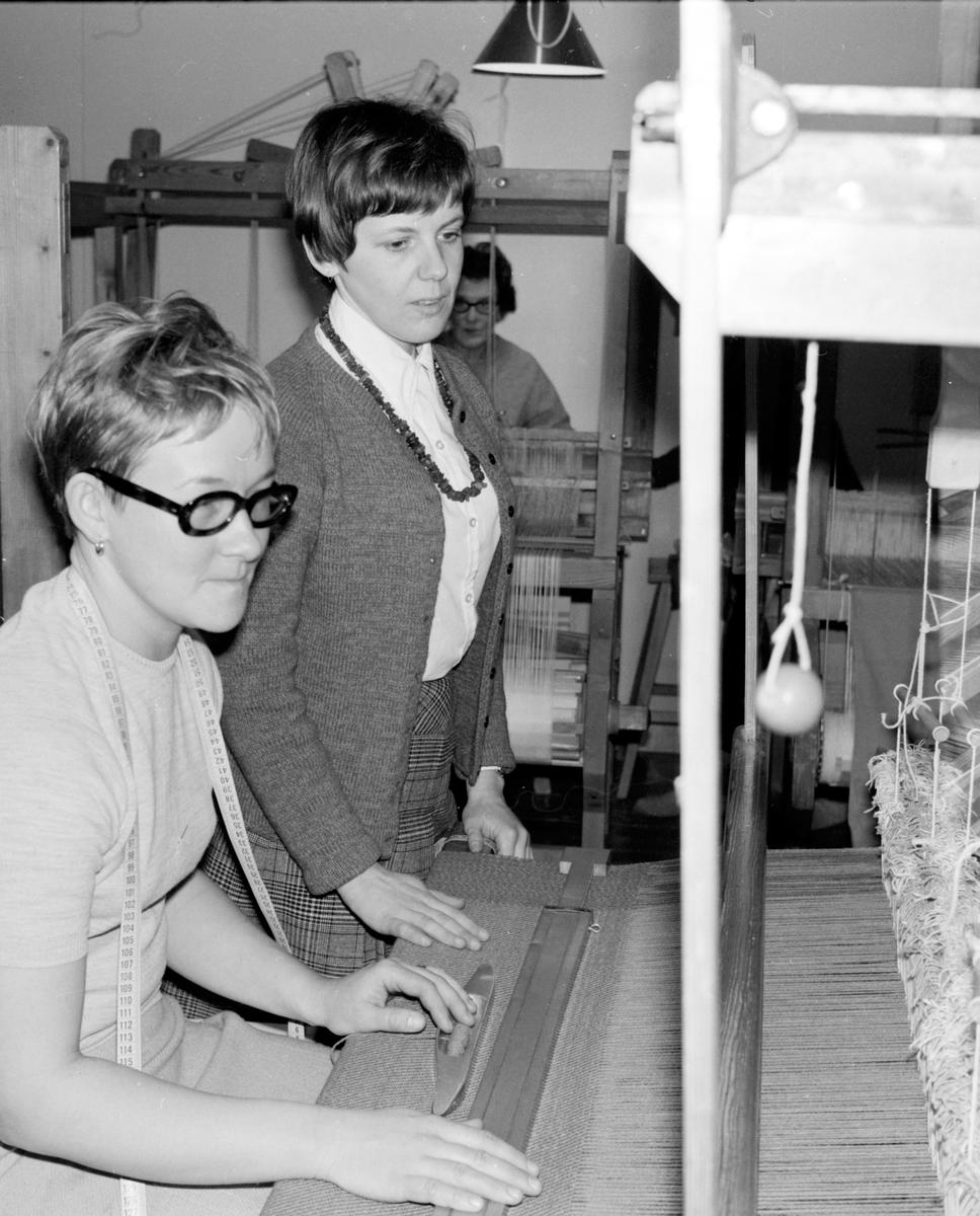 Vallsta, Vävkurs på vävstugan, 7 Mars 1969