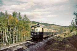 Dovreekspressen mellom Garli og Berkåk stasjoner Dovrebanen.