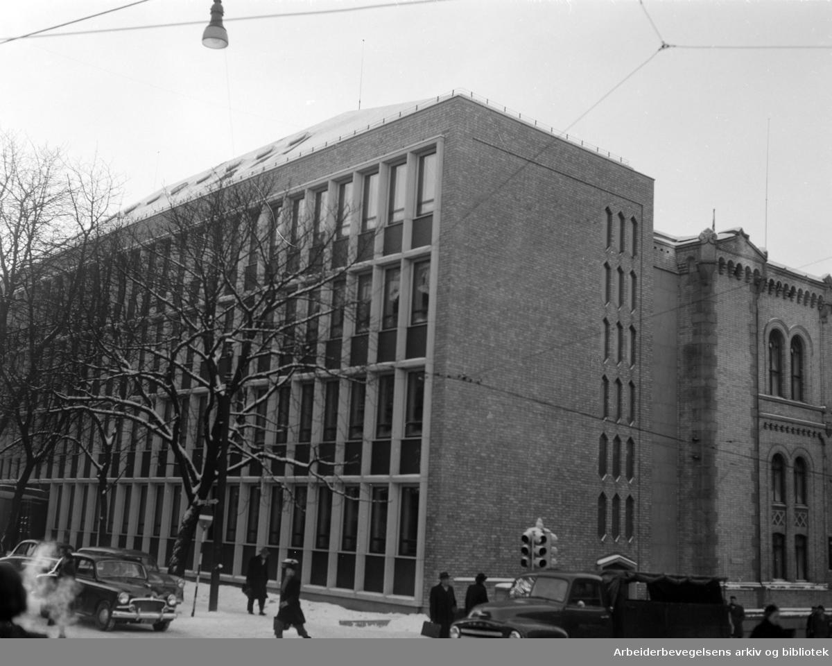 Stortingets tilbygg, eksteriør. Januar 1956