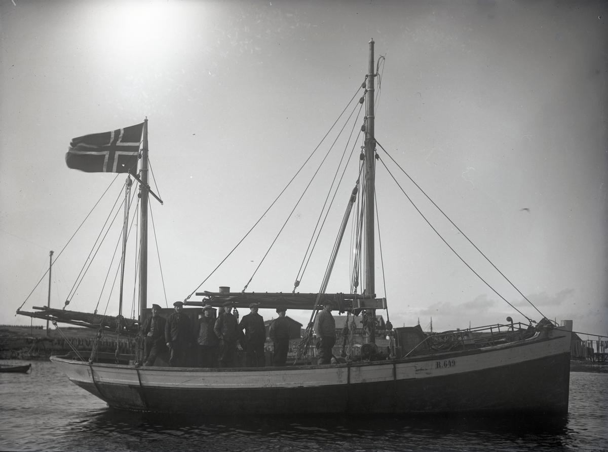 Fiskeskøyte Reg. R649