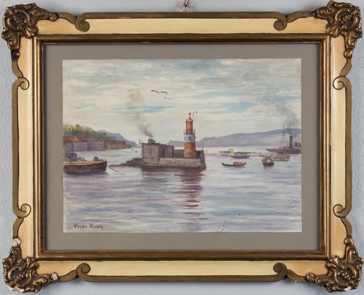 Havneprospekt med Sjøhus, dampbåter, havnearbeid og fyrtårn.