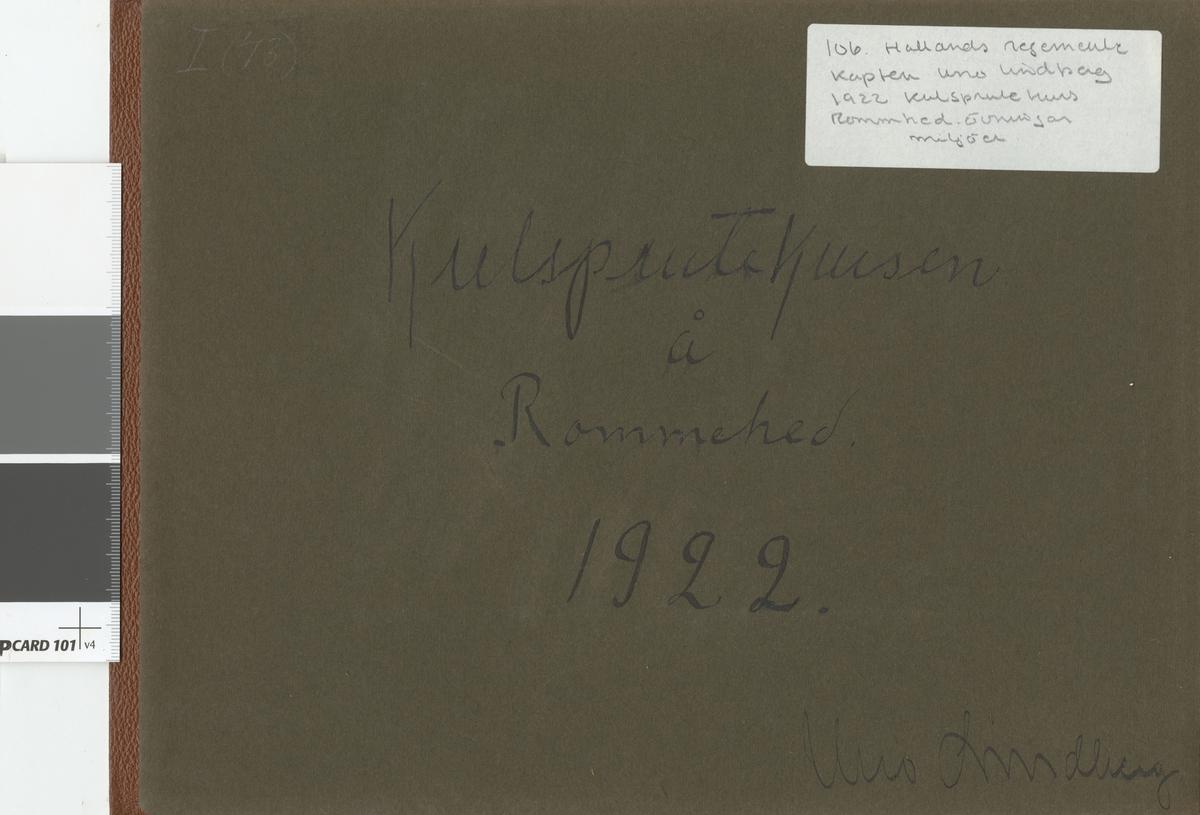 Fotoalbum innehållande bilder från år 1922 föreställande Hallands regementes I 16 kulsprutekurs.
