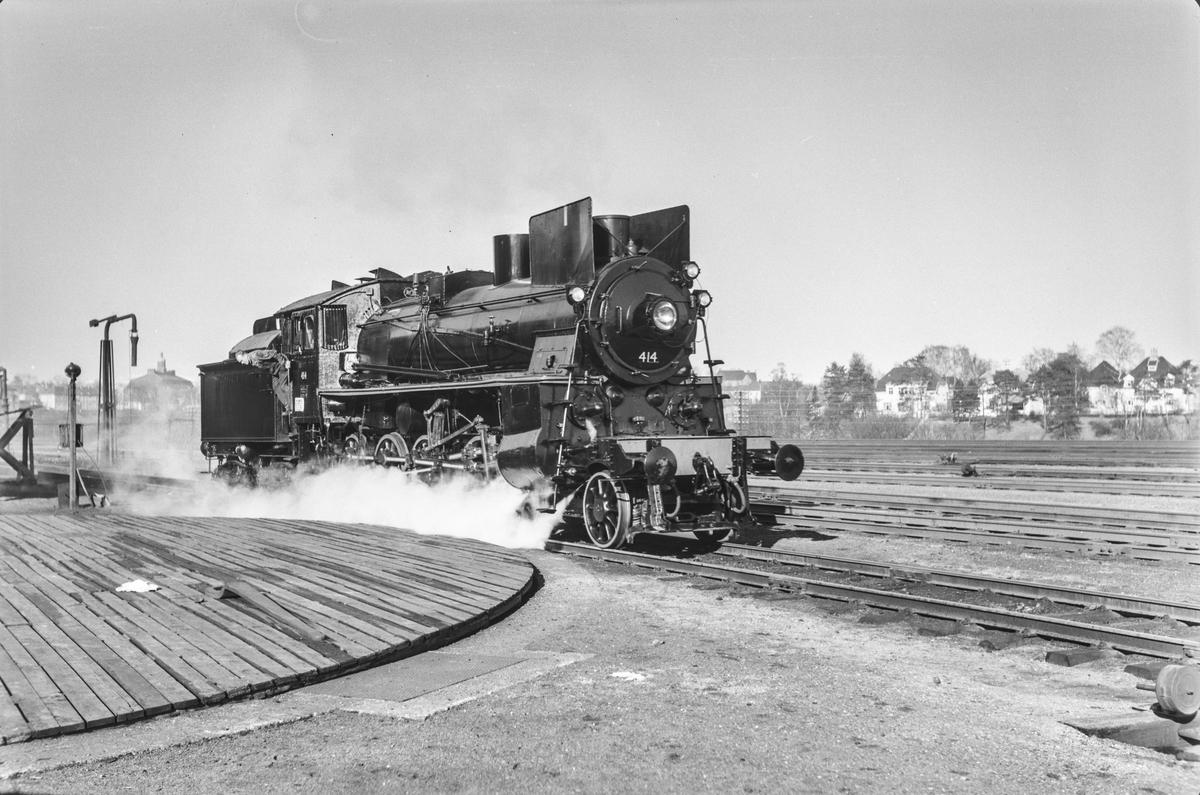 Prøvekjøring av nyrevidert damplokomotiv type 26c nr. 414 på Marienborg.
