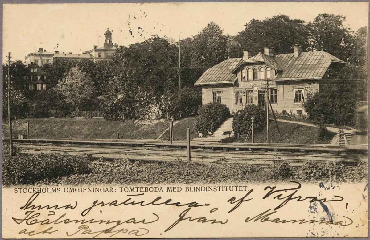 Järnvägsstationen i Tomtedboda. Till vänster i bild skymtar Blindinstitutet.