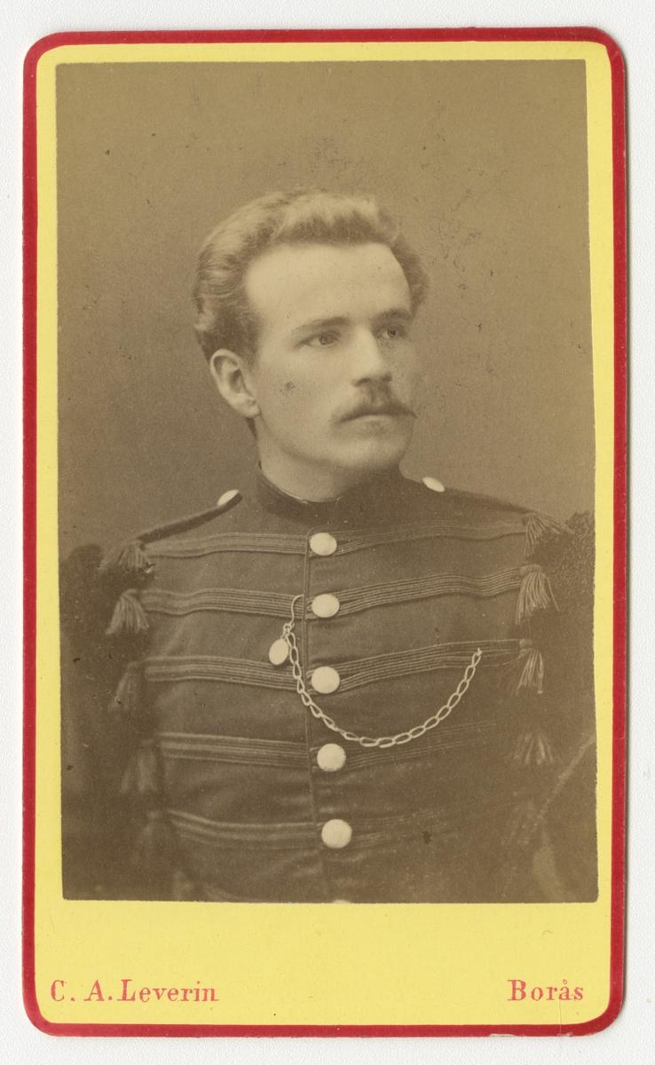 Porträtt av Lorentz Thelining, officer vid Värmlands fältjägarkår.