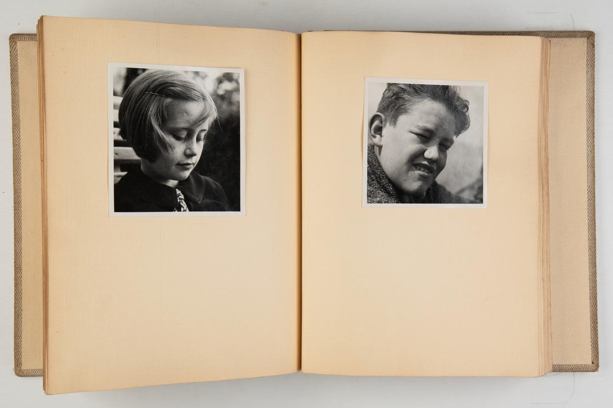 Album med fotografier fra reiser i Norge