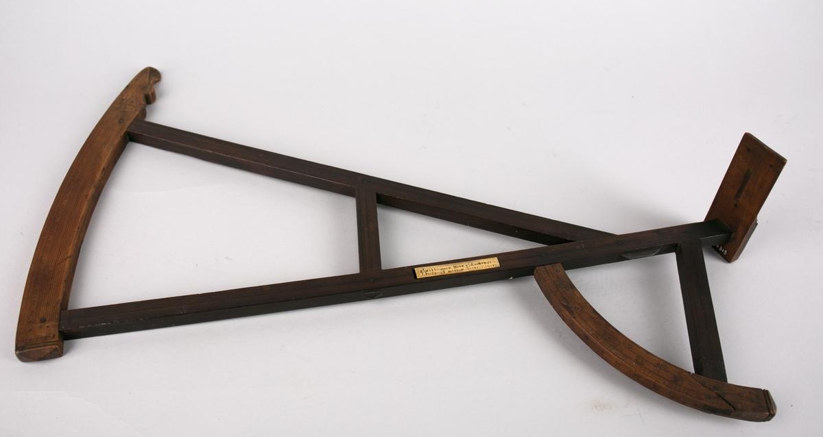 Kvadrant. Daviskvadranten er oppkalt etter den engelsek sjøfarerern og navigatør John Davis. Kvadrant er et instrument til måling av et himmellegemes høyde over horisonten på en gradert sirkelkvadrant.