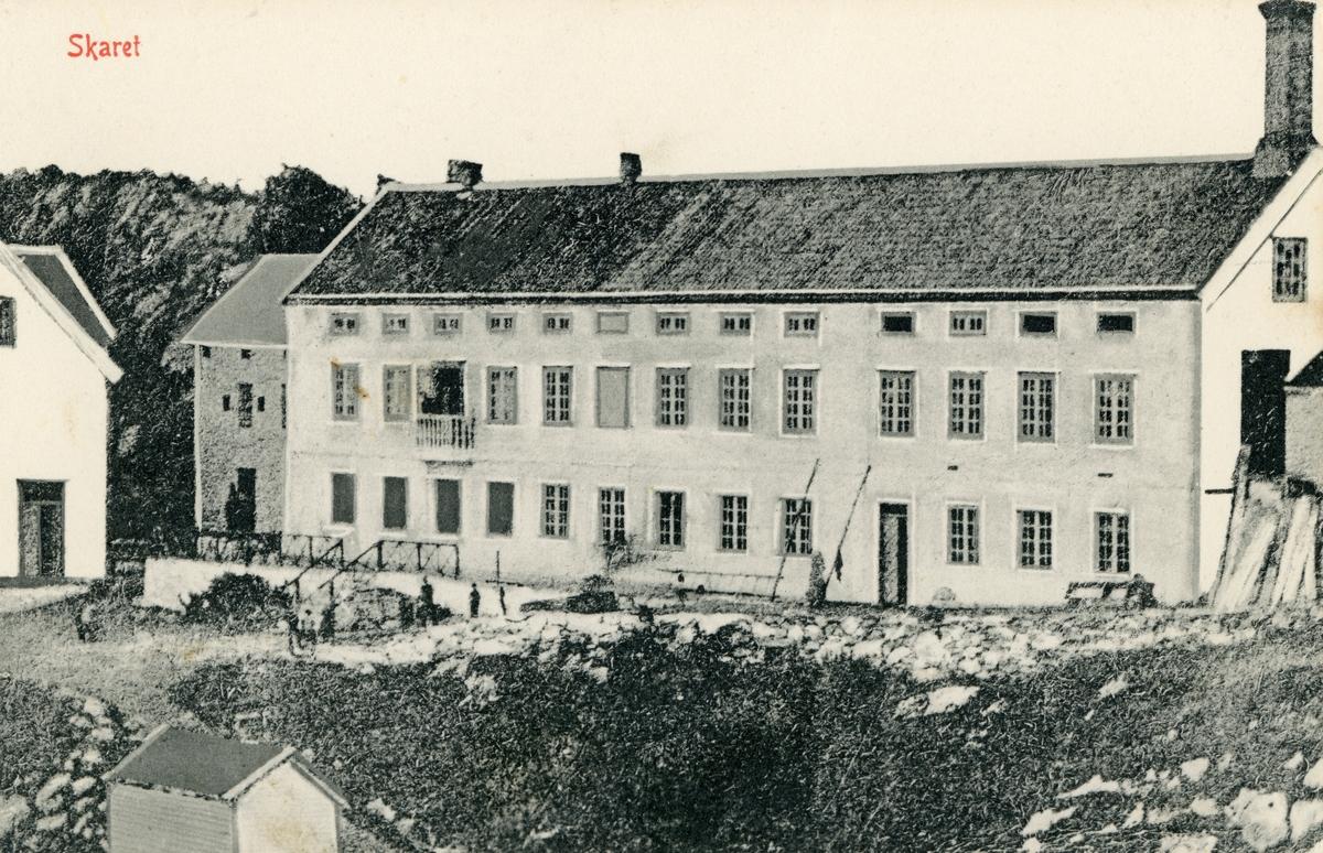 Motiv av ei større bygning(fabrikk?) på Skaret ved Skansen i Ålesund.