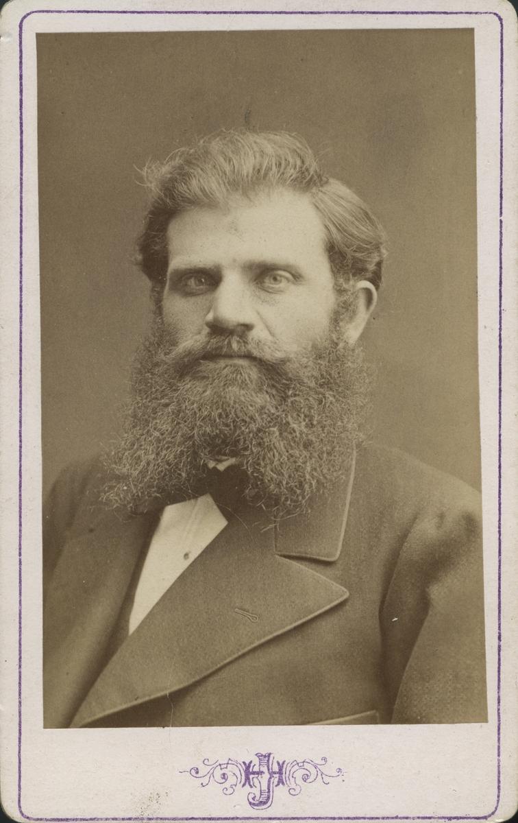 Fabrikör Axel Olson.