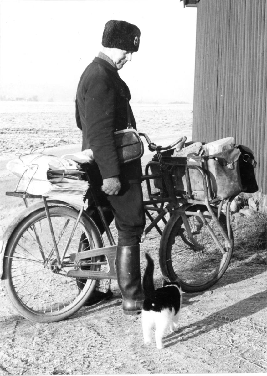 Lantbrevbärare Gunnar W Pettersson, Klippan. Februari 1961.