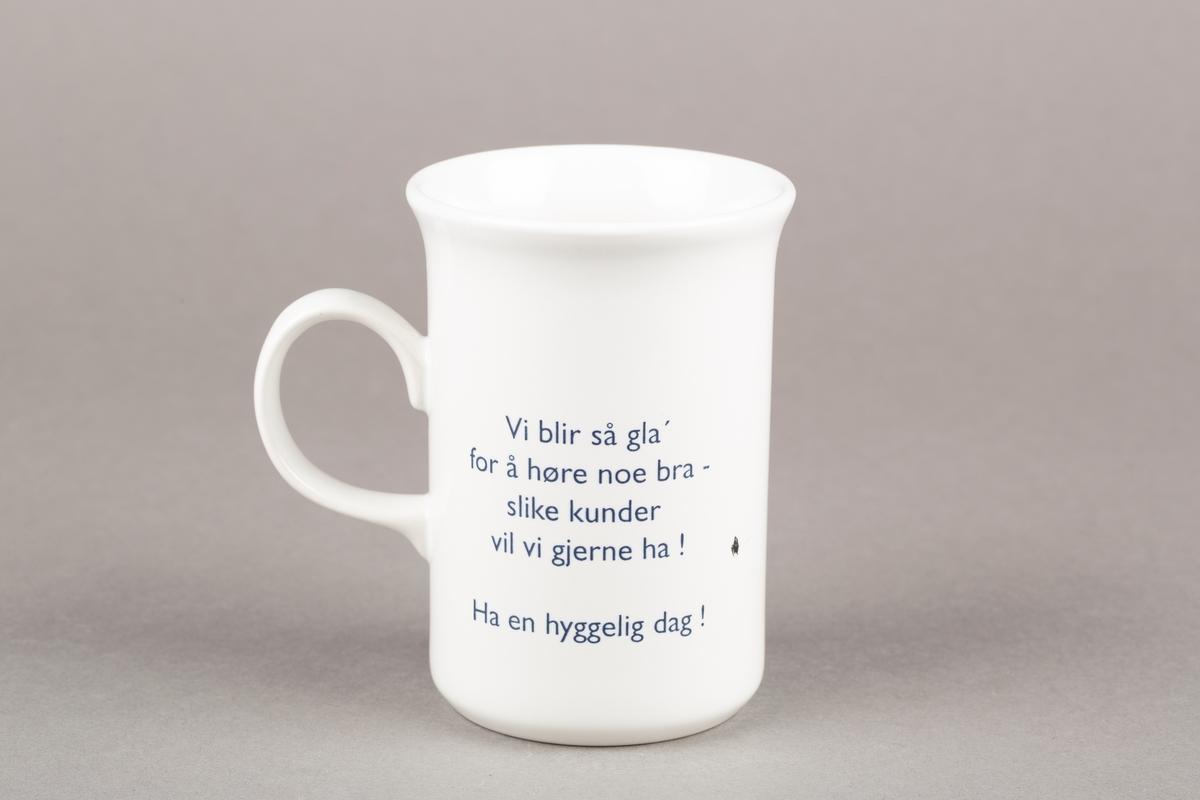 """Krus med hank. """"Gammel""""- Triaden Lørenskog storsenter-logo. Med slagord."""