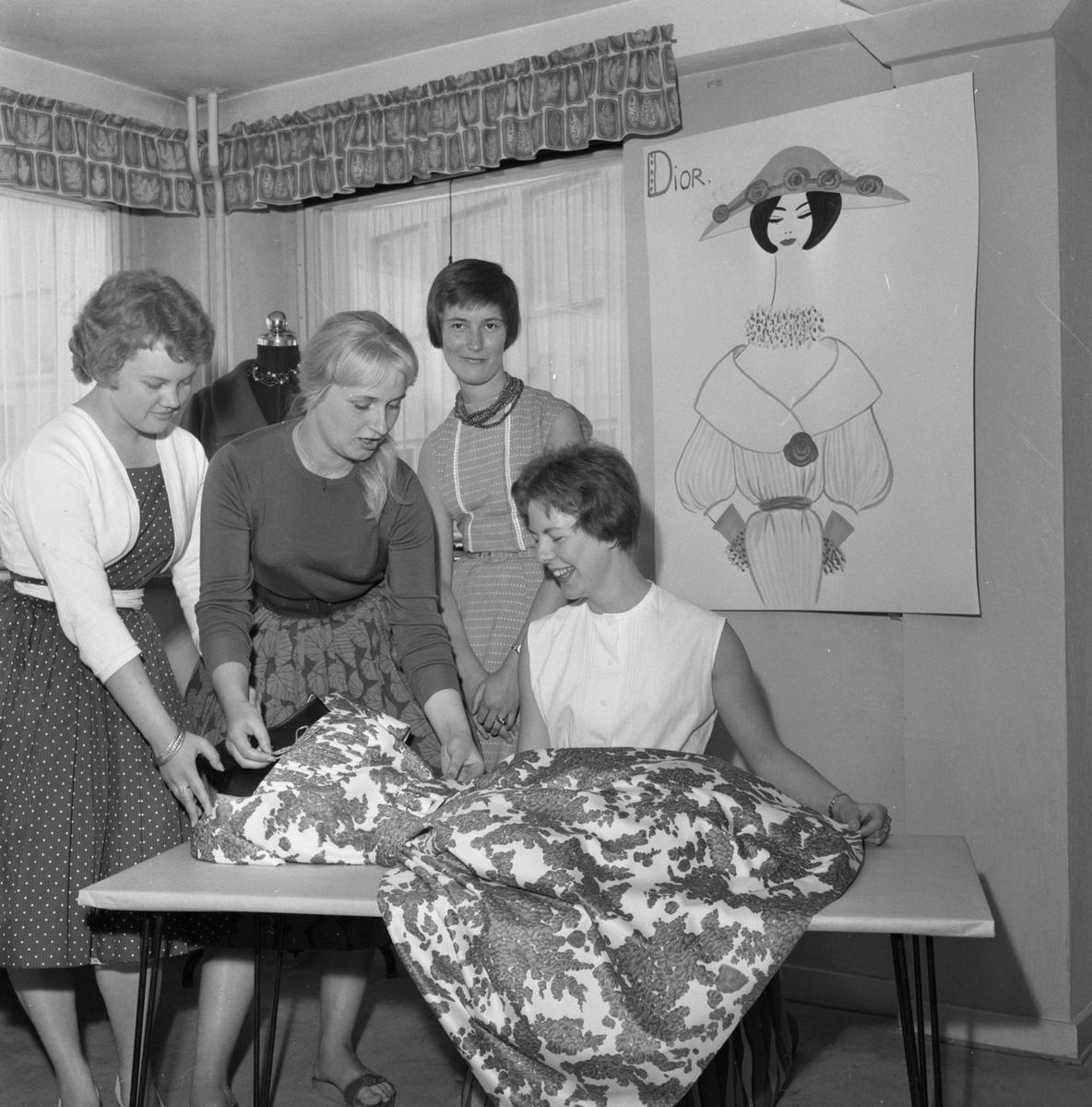 Ungdomsförmedlingen.  16 juni 1959.