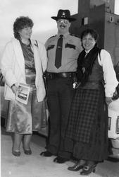Sheriffen i Climax, USA hilser på Ruth Elise Kjelløkken og A